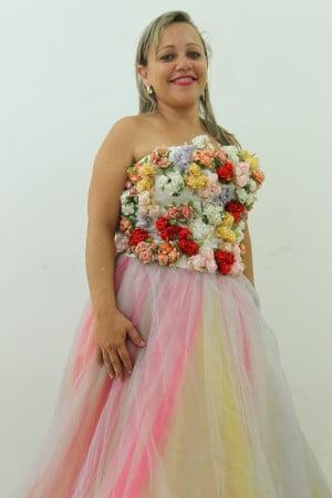 165b9e5c756 Vestidos da estilista Vilma Costa foram comercializados no Brechó de Natal  – Jornal A Gazeta